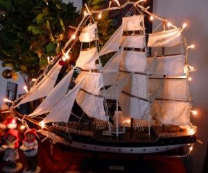The Christmas boat! - Peek at Greek - Greek language and culture school