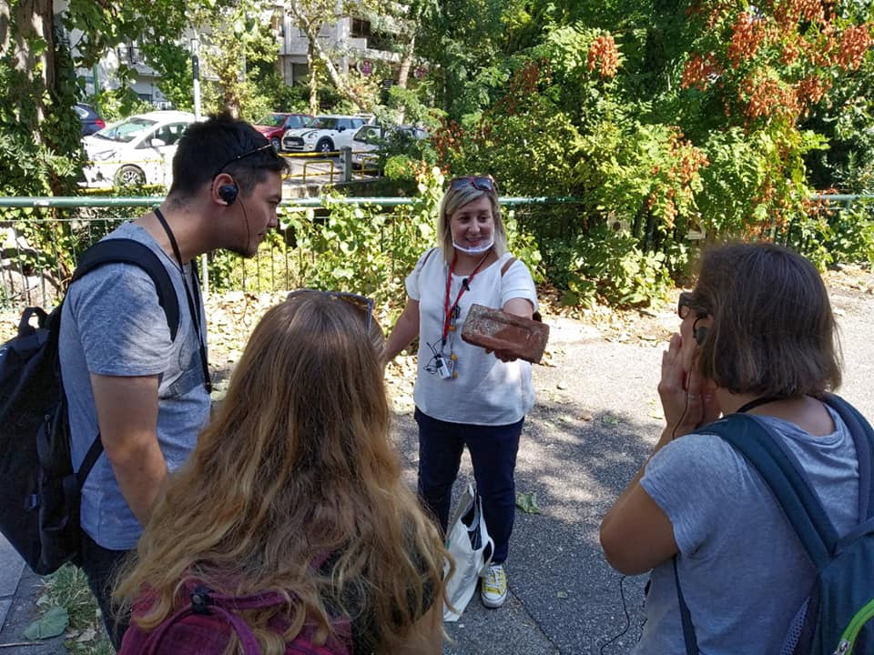 """Welcoming the autumn with an educational tour of the """"Eksohes"""" district... - Peek at Greek - Greek language and culture school"""